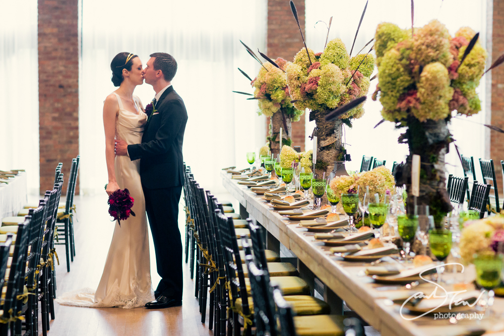 Sophisticated Wedding At The Roundhouse At Beacon Falls