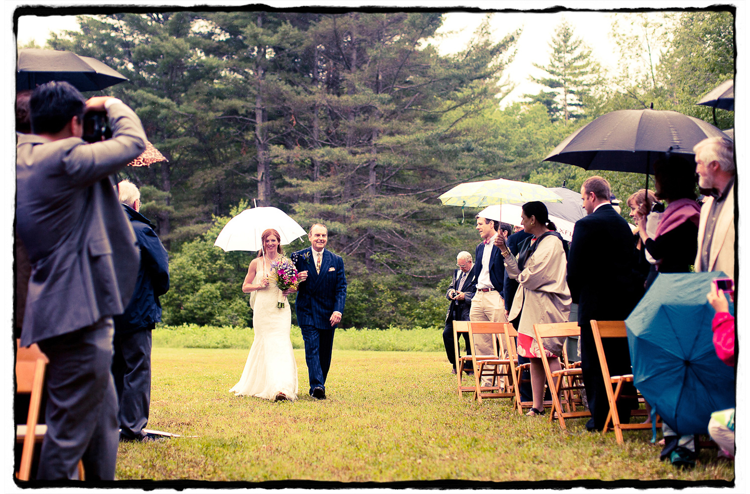 Rain couldn't stop this couple from having their ceremony in the great outdoors.